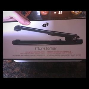 T3 Mane Tamer 1.75 Inch Flat Iron New In Box